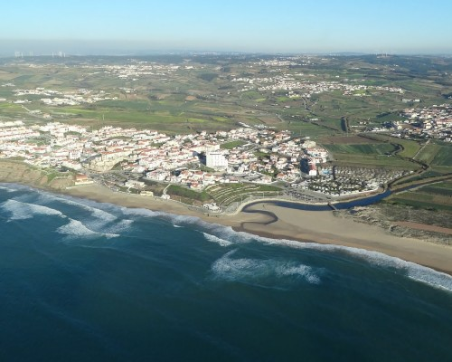 Surfing-at-Praia-da-Areia-Branca4